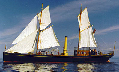 HANSTEEN under sail in 1990.