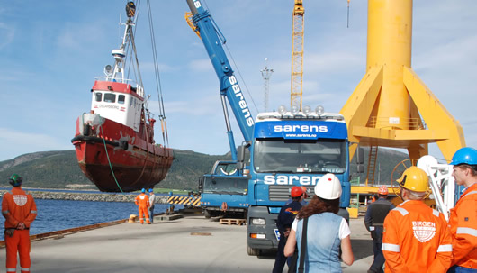 OSCARSBORG being lifted from the water.